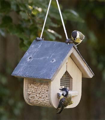 Vogelfutterhaus 03