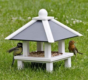 Vogelfutterhaus08